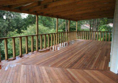 deck-construction-posts